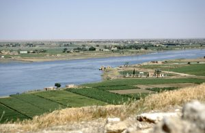 Fertile Mesopotamia between Euphrat and Tigris at Iraq Border | Syrai